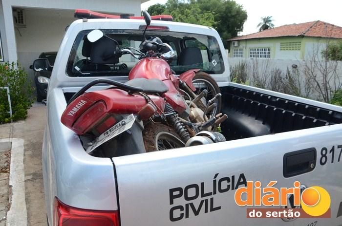 Moto roubada foi recuperada pelo GTE (foto: Diário do Sertão)