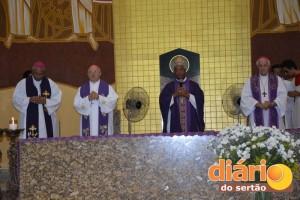Bispos realizam missa na Catedral de Cajazeiras