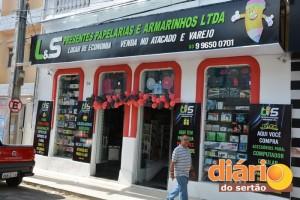 Loja LS Presentes na Avenida Juvêncio Carneiro, no Centro de Cajazeiras