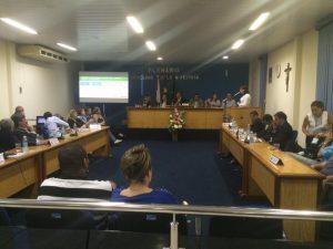 Médicas e médicos cubanos estiveram na sessão