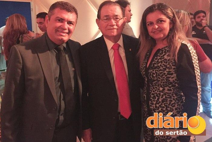 Cláudio Diniz e a esposa ao lado do presidente da CBF (foto: Diário do Sertão)