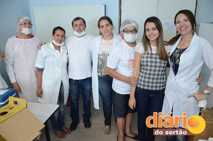 Campanha de Vacinação no Hospital Regional de Sousa (foto: Charley Garrido)