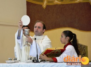 Padre Silvio celebrou a Santa Missa da Misericórdia