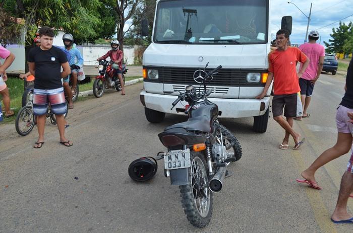 Acidente registrado na cidade de Cajazeiras (foto: Ângelo Lima)