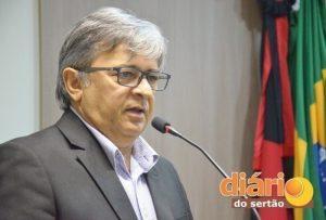 Vereador faz declarações a TVDS