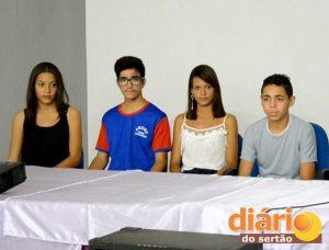 Rebeca, Vinícius, Eliene e Francisco