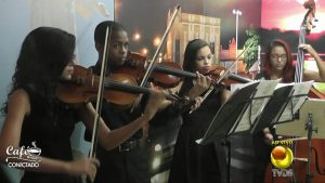 OFC toca sucessos do pop e MPB no Café Conectado