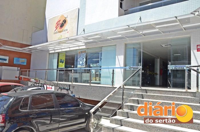 A B&C informática fica localizada no Edifício Gabriel Oliveira, centro de Sousa (foto: Charley Garrido)