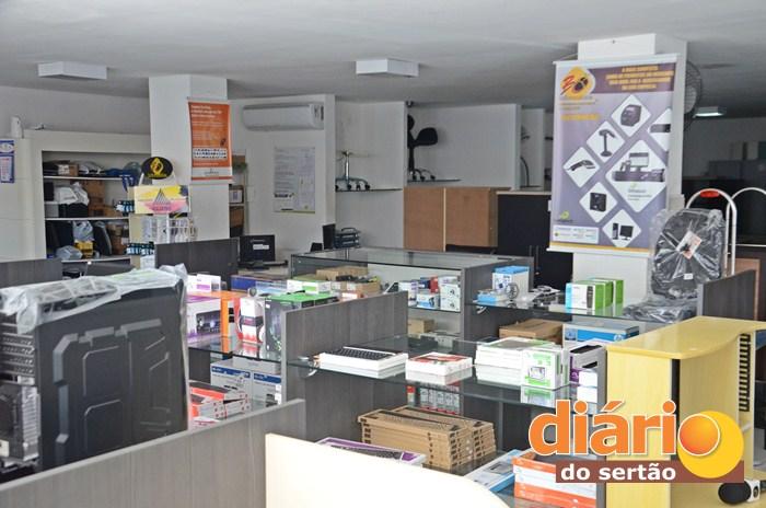 A B&C informática fica localizada no Edifícil Gabriel Oliveira, centro de Sousa (foto: Charley Garrido)