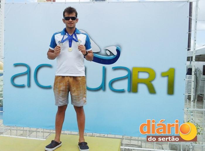 Nadador sousense conquistou uma medalha de ouro e duas de prata (foto: assessoria)