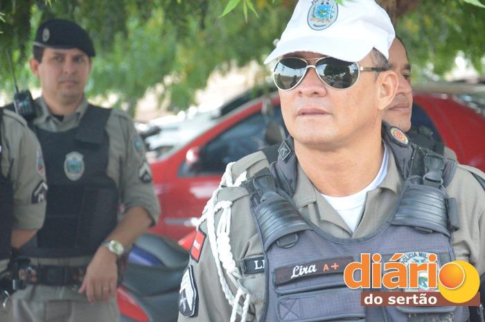 Sargento Lira esteve no local do acidente (foto: Charley Garrido)