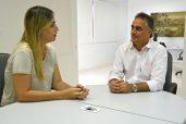 Bruna Veras (PROS) em seu encontro com Luciano Cartaxo (PSD)