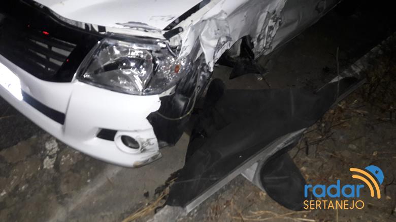 Acidente deixou duas pessoas feridas (foto: radar sertanejo)