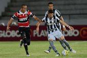 Rodrigo Pimpão sacramentou a quinta vitória seguida do Botafogo no Brasileirão (Foto: Chico Peixoto/Estadão Conteúdo)