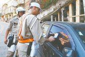 A partir de 1º de novembro, as multas aumentarão e dirigir usando o celular passará a ser infração gravíssima (Foto: Arquivo O Dia)