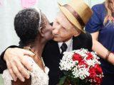 Pedro e Alaice estão juntos há 20 anos e casaram dentro de UBS  (Foto: Felipe Pinheiro/Divulgação)