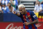 Neymar garante que não vai mudar seu jeito de jogar por conta das críticas (Foto: Efe)