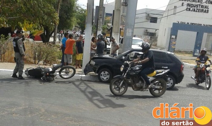 Jovem foi socorrido para o Hospital Regional da cidade de Cajazeiras