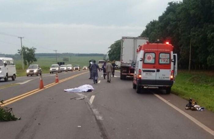 Vítimas teriam sido atropeladas ao pedir ajuda em rodovia após acidente (Foto: Julio Pitbull/Olimpia24horas)