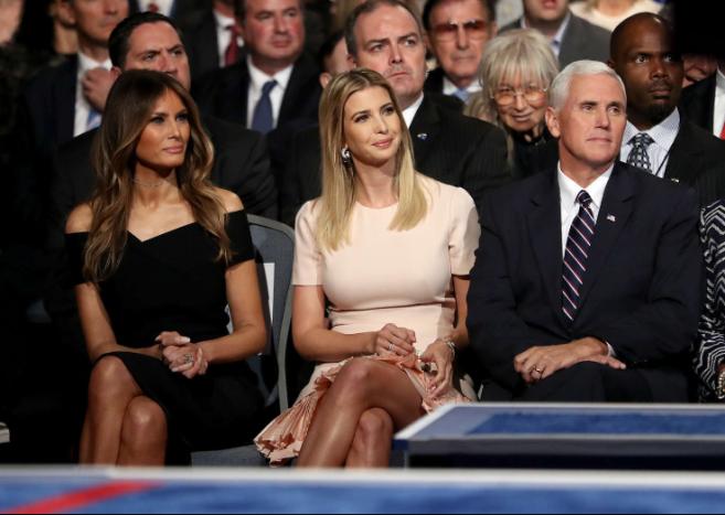 Melania Trump: A nova primeira-dama dos Estados Unidos - Durante a campanha de Donald Trump, ao lado de Ivanka Trump. © GETTY IMAGES