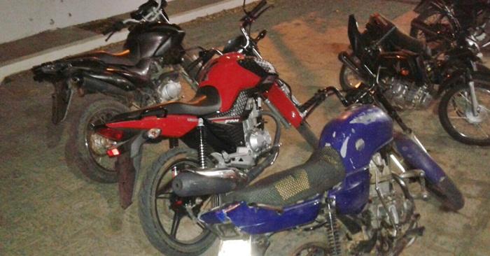 Motocicletas apreendidas pela PM (foto: ascom/14ºBPM)