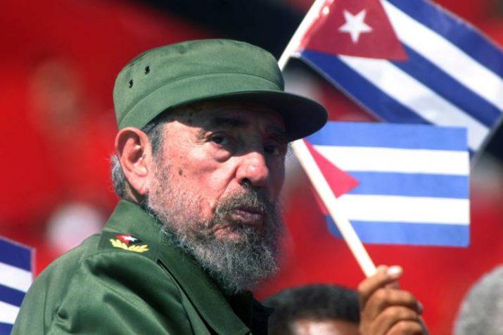 Fidel Castro, ex-presidente de Cuba, morre aos 90 anos